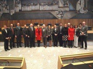 Ministerpräsident Karl-Heinz Lambertz, Minister Oliver Paasch und eine DG-Delegation mit Mitgliedern aller Südtiroler Landtagsfraktionen und Landtagspräsidentin Julia Unterberger.