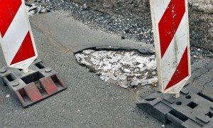 Der schlechte Zustand der Straßen in der Wallonie ist ein Dauerthema. Foto: dpa