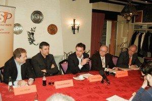Dieses Archivbild zeigt die CSP-Politiker Luc Frank, Pascal Arimont, Robert Nelles und Herbert Grommes (v.l.) mit CdH-Präsident Benoît Lutgen (Bildmitte) bei einem Treffen in Wiesenbach.