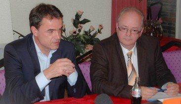 Benoît Lutgen (l.) und der Spitzenkandidat der CSP bei der PDG-Wahl 2014, Robert Nelles.