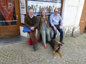 V.l.n.r: Karl-Heinz Berens, Spitzenkandidatin Pascale Baudimont und der Nationalpräsident der Parti Libertarien, Patrick Smets. Foto: OD