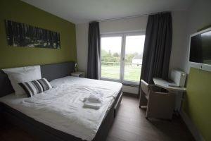 Die vier Doppelzimmer sind nach regionalen Themen benannt und modern eingerichtet. Foto: Jannis Mattar