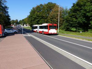 Ein Bus des AAV (Aachener Verkehrsverbund) überquert die Grenze in Köpfchen in Richtung Aachen. Foto: OD