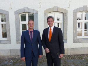 Ministerpräsident Oliver Paasch (links) und der Aachener Oberbürgermeister Marcel Philipp nach ihrem Treffen in Eupen. Foto: OD