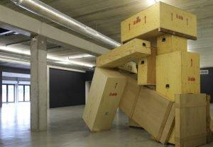 Adrien Tirtiaux machte aus Kisten Kunst. Foto: ikob