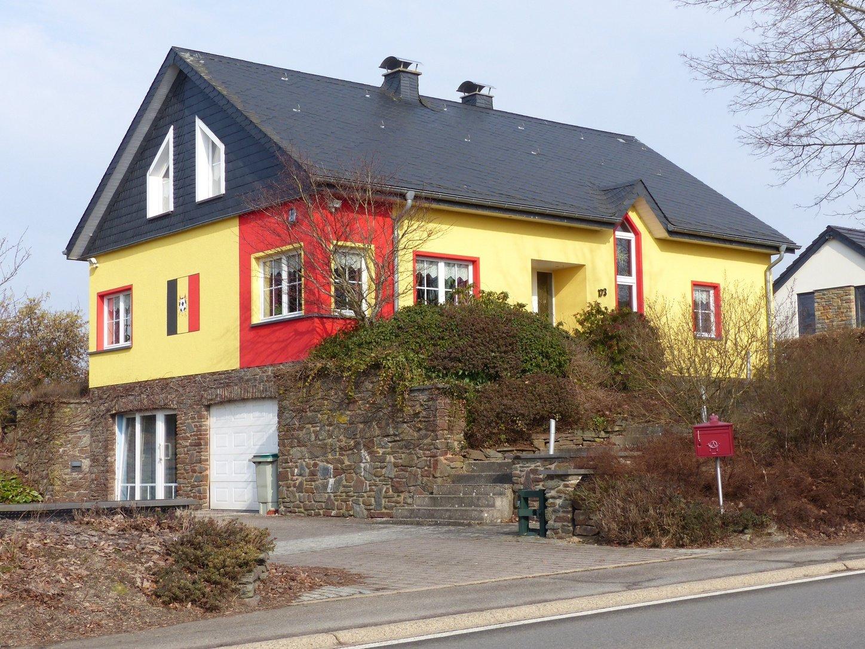 was in st vith ein haus ist in oberbayern eine ganze kirche ostbelgien direkt. Black Bedroom Furniture Sets. Home Design Ideas