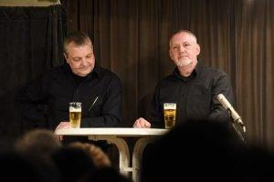 """Zu einem guten Programm von """"Jedermann"""" gehört der Eupener Stammtisch. Foto: Jannis Mattar"""