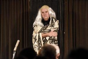 Auch da ist ein Klassiker: Edgar Paulus als Indianer-Häuptling. Foto: Jannis Mattar