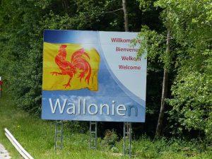 """So sah das Schild zuletzt aus: Dem Wort """"Wallonie"""" wurde ein """"n"""" hinzugefügt. Foto: OD"""