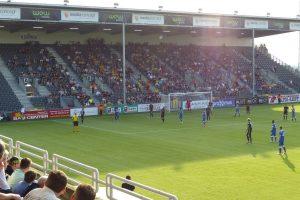 In der 2. Division war die Gästetribüne nur gegen den FC Antwerp so gut gefüllt wie am 11. Juli 2015 beim Vorbereitungsspiel gegen Alemannia Aachen. Foto: OD