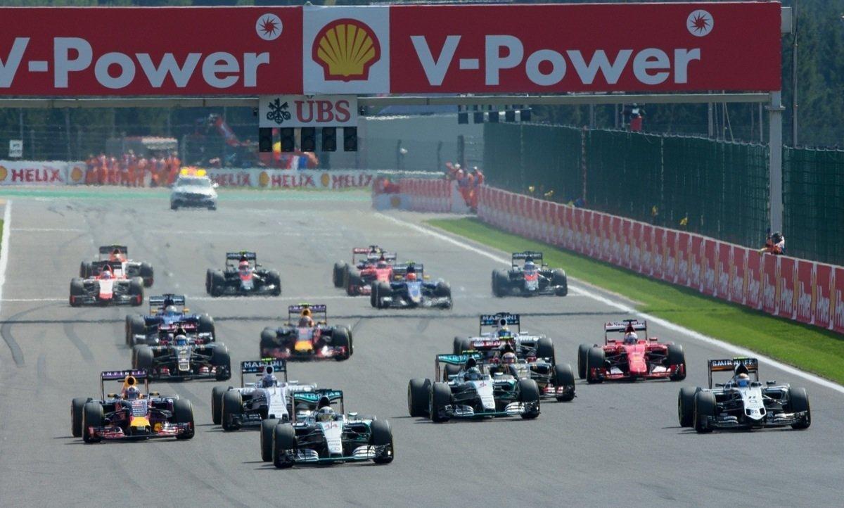Formel 1 In Spa Hamilton Gewinnt Vor Rosberg Vettel Im Pech