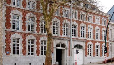 Die Pater-Damian-Sekundarschule am Kaperberg in Eupen.