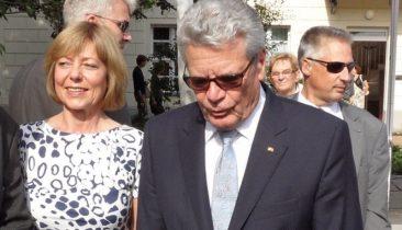 Joachim Gauck mit Lebensgefährtin Daniela Schadt. Foto: Shutterstock