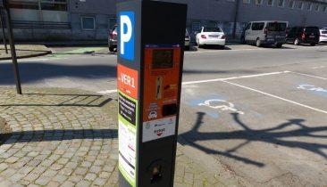 In Verviers können Parkautomaten nicht nur mit Münzen, sondern auch mit Bank- und Kreditkarte bedient werden. Foto: OD