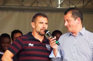AS-Trainer Jordi Condom (links, hier im Gespräch mit André Palm). Foto: Gerd Comouth