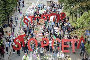Demonstration gegen TTIP und CETA am 20. September in Brüssel. Foto: dpa